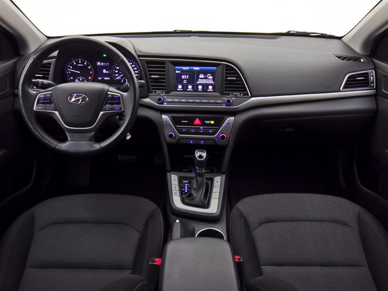 Hyundai Elantra 19