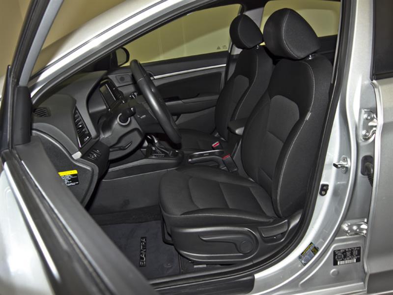 Hyundai Elantra 28