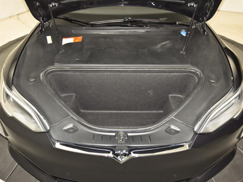 Tesla Model S 32