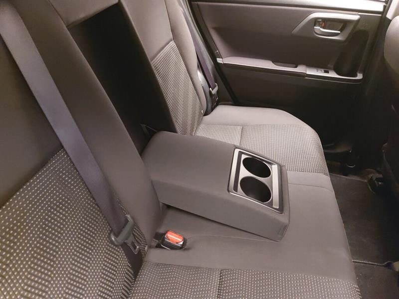 toyota Corolla iM 2017 - 32
