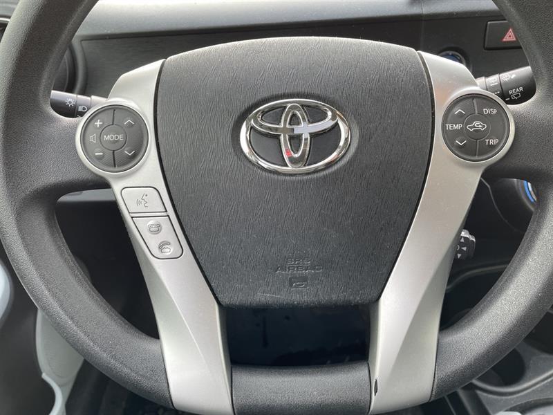 toyota Prius c 2012 - 14