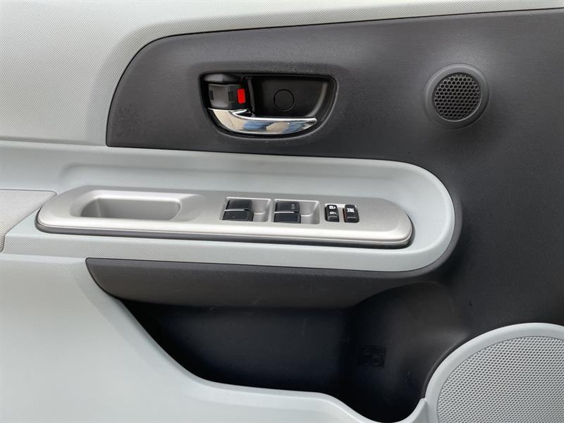 toyota Prius c 2012 - 19