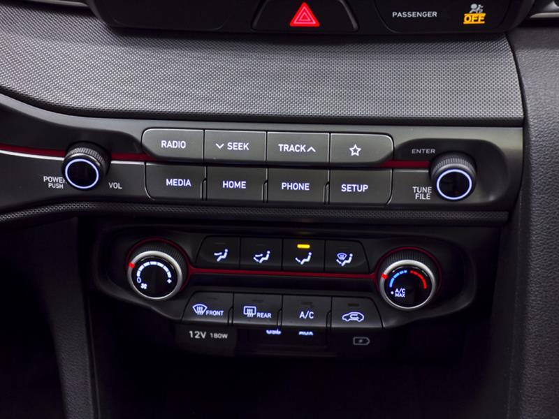 Hyundai Veloster 23
