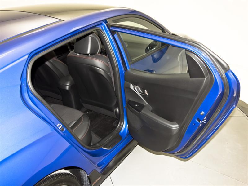Hyundai Veloster 32