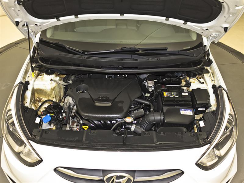 Hyundai Accent 28