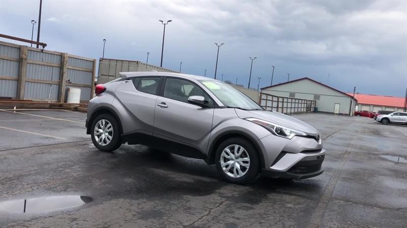 toyota C-HR LE 2WD 2019 - 2
