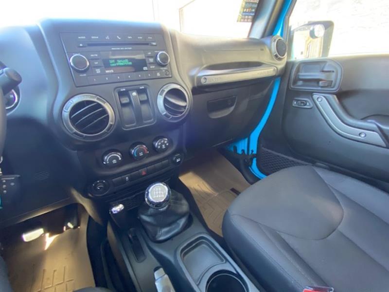 Jeep Wrangler 21