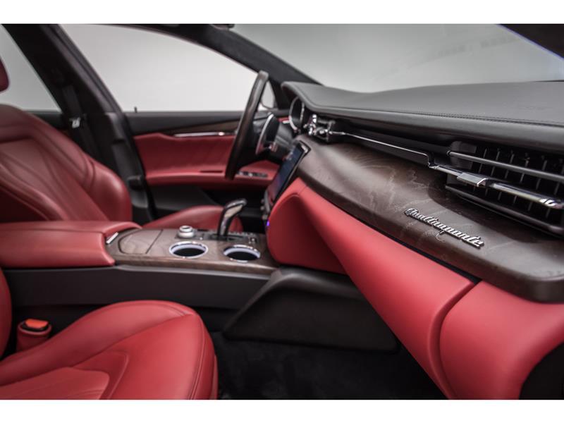 Maserati Quattroporte 44