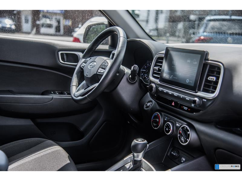 Hyundai Venue 28