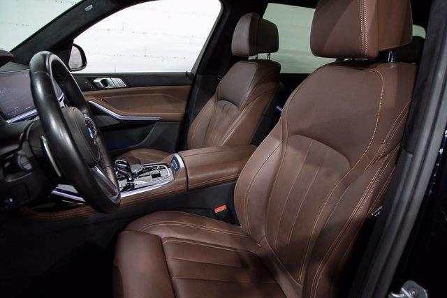 BMW X7 25