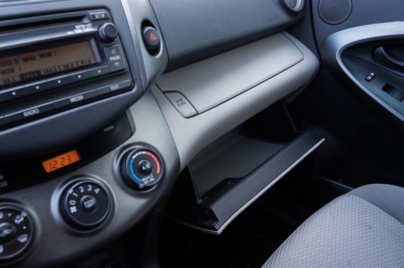 Toyota RAV4 46