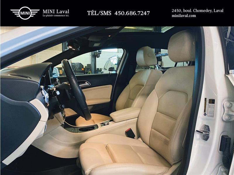 Mercedes-Benz GLA-Class 11