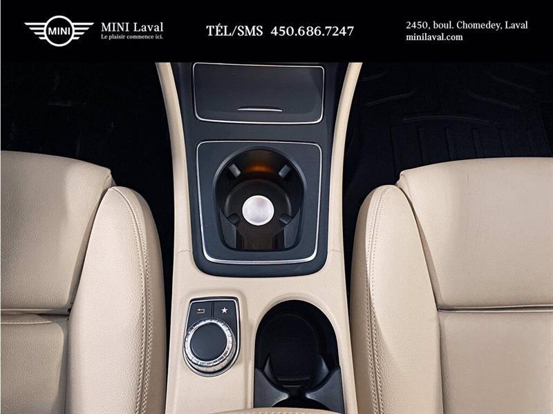 Mercedes-Benz GLA-Class 15