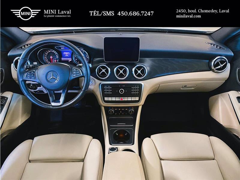 Mercedes-Benz GLA-Class 17