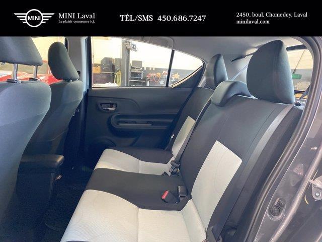 toyota Prius c 2017 - 16