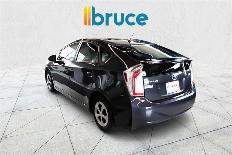 toyota Prius 2015 - 9