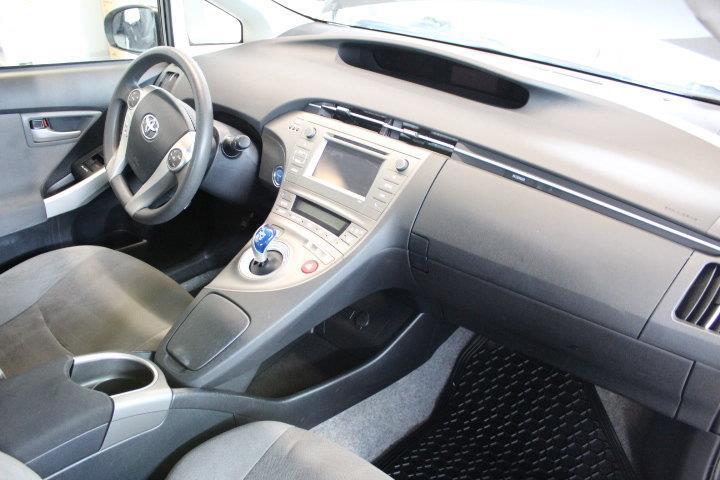 toyota Prius 2015 - 28