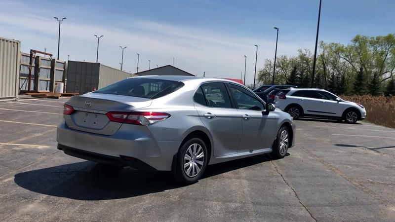 toyota CAMRY LE 2WD 2020 - 8