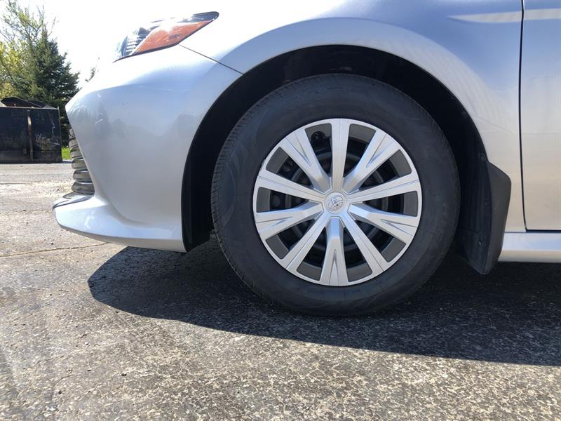toyota CAMRY LE 2WD 2020 - 11