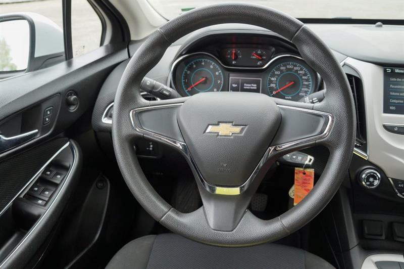 Chevrolet Cruze 27