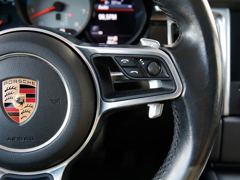 Porsche Macan 25