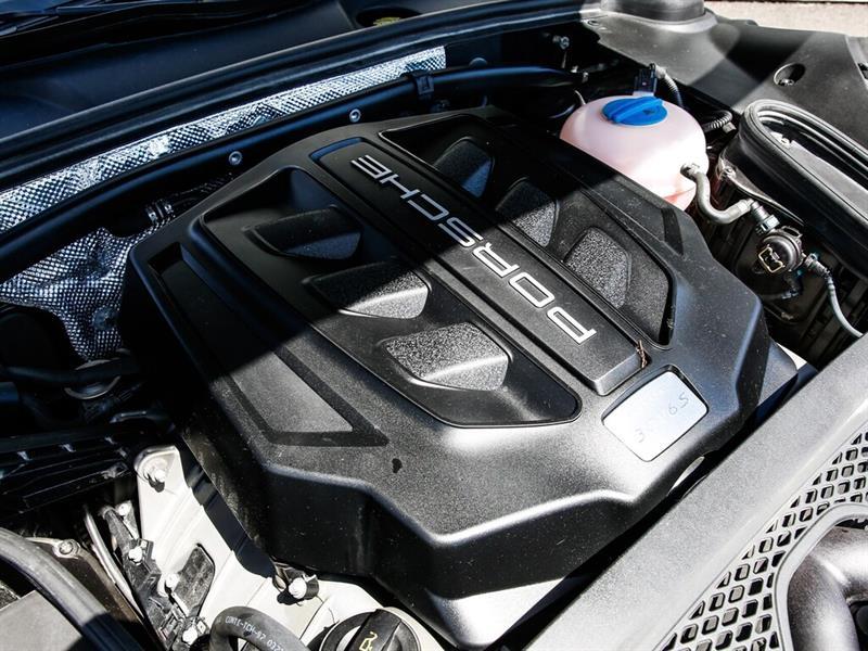 Porsche Macan 37