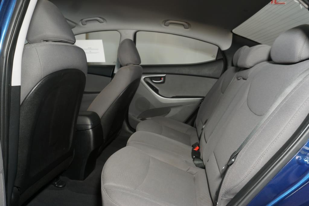 Hyundai Elantra 7
