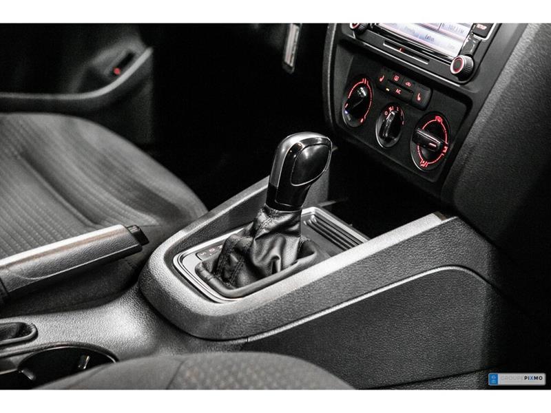 Volkswagen Jetta Sedan 30