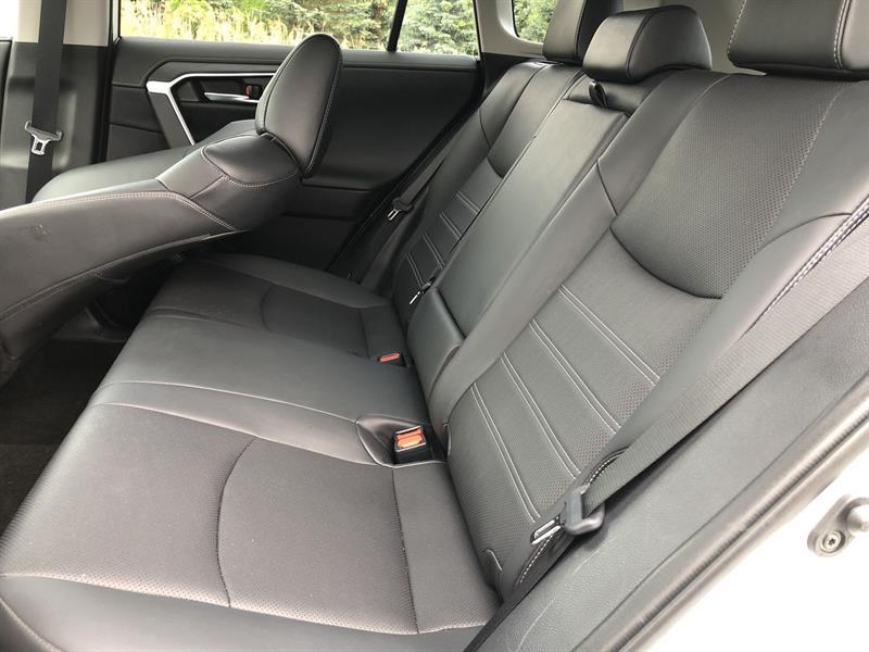 toyota RAV4 LIMITED AWD 2020 - 17