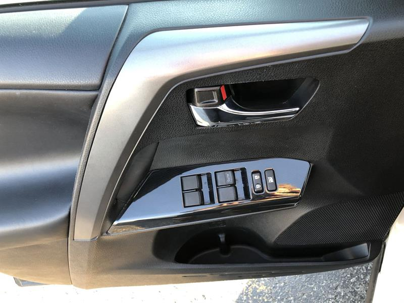 toyota RAV4 SE AWD 2017 - 12