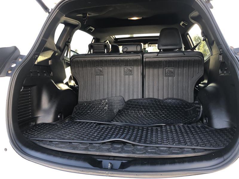 toyota RAV4 SE AWD 2017 - 18