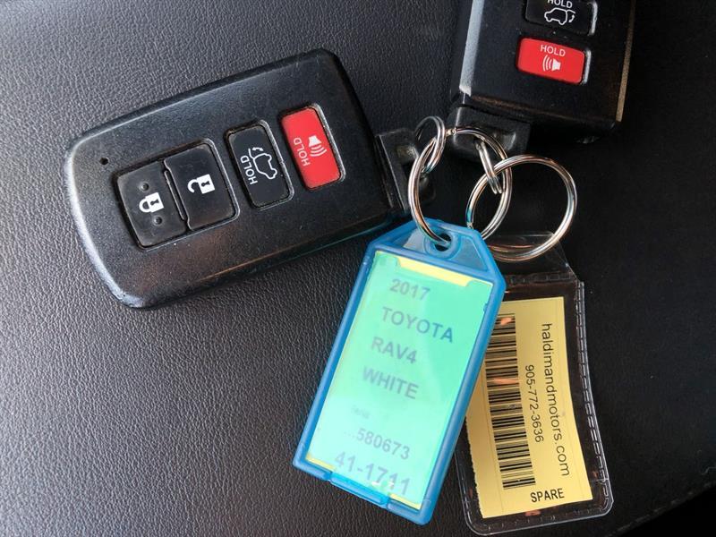toyota RAV4 SE AWD 2017 - 25