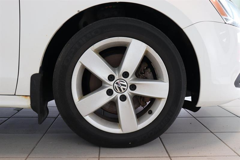 Volkswagen Jetta Sedan 21
