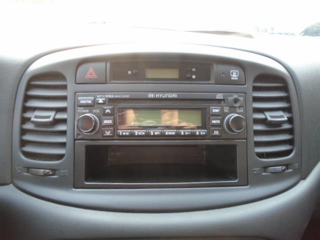 Hyundai Accent 14