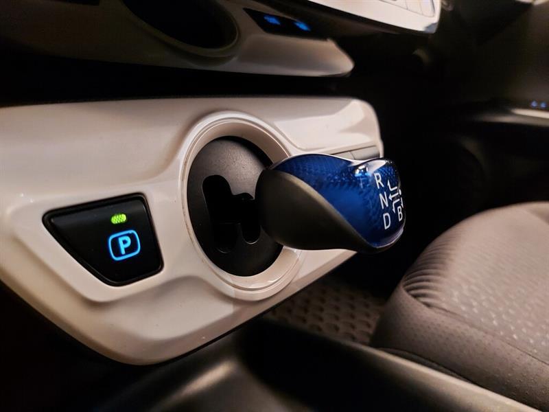 toyota Prius 2016 - 16