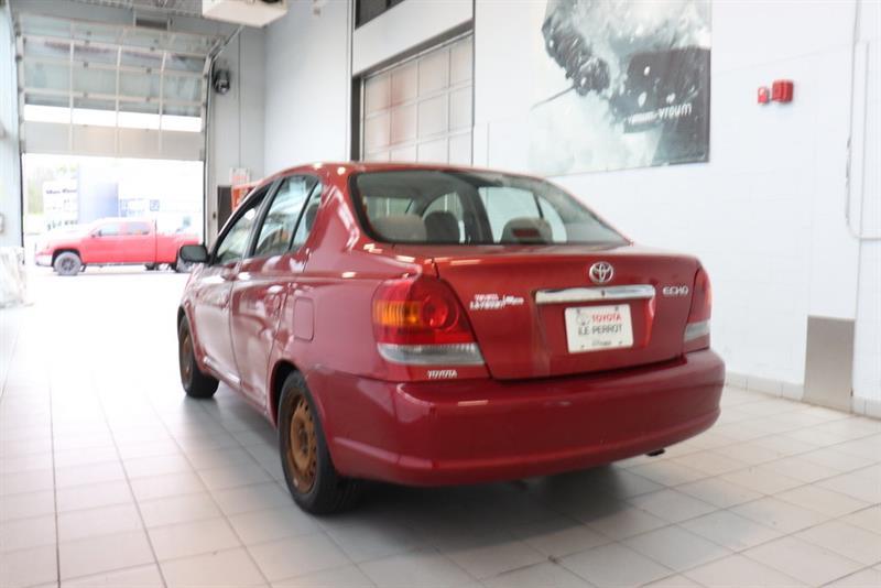 Toyota Echo 16
