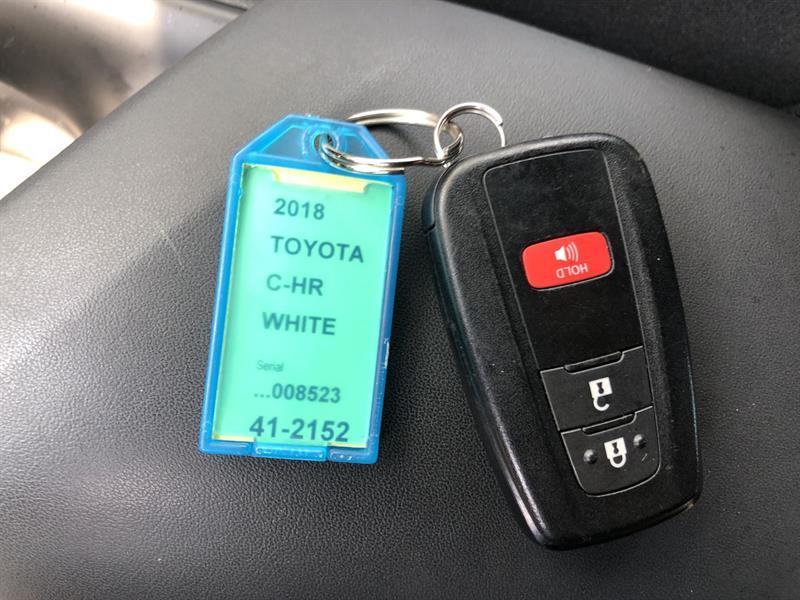 toyota C-HR XLE 2WD 2018 - 23
