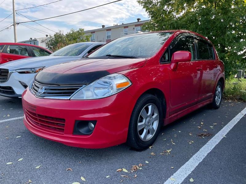 2012 Nissan  Versa SL, TOIT OUVRANT,  REGULATEUR,