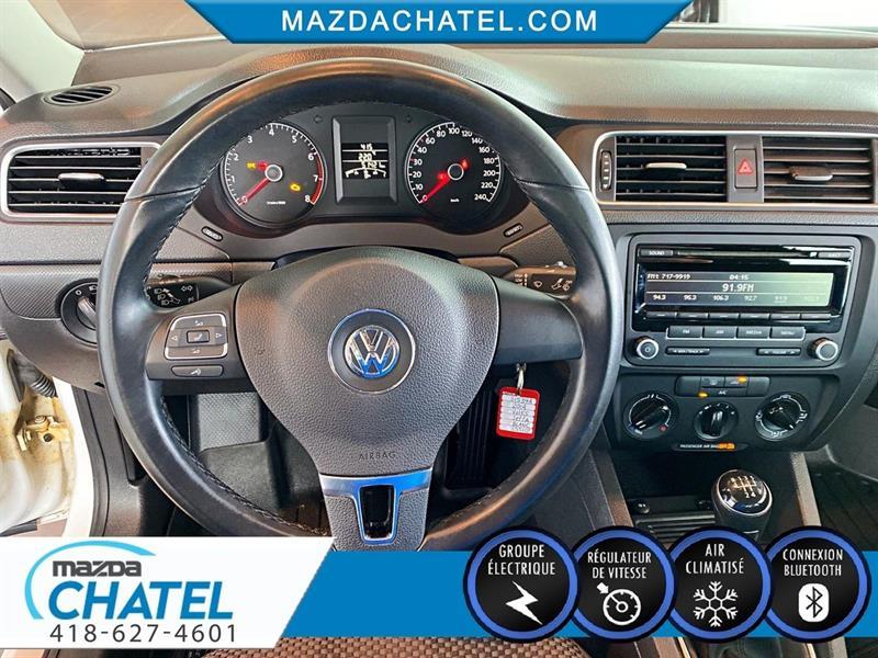 Volkswagen Jetta Sedan 19