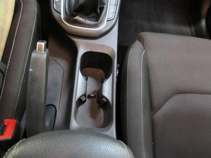 Hyundai Elantra GT 24