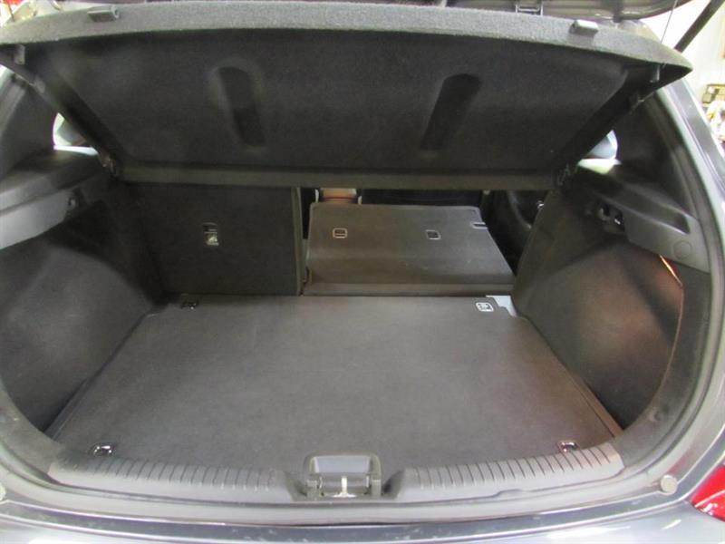 Hyundai Elantra GT 29