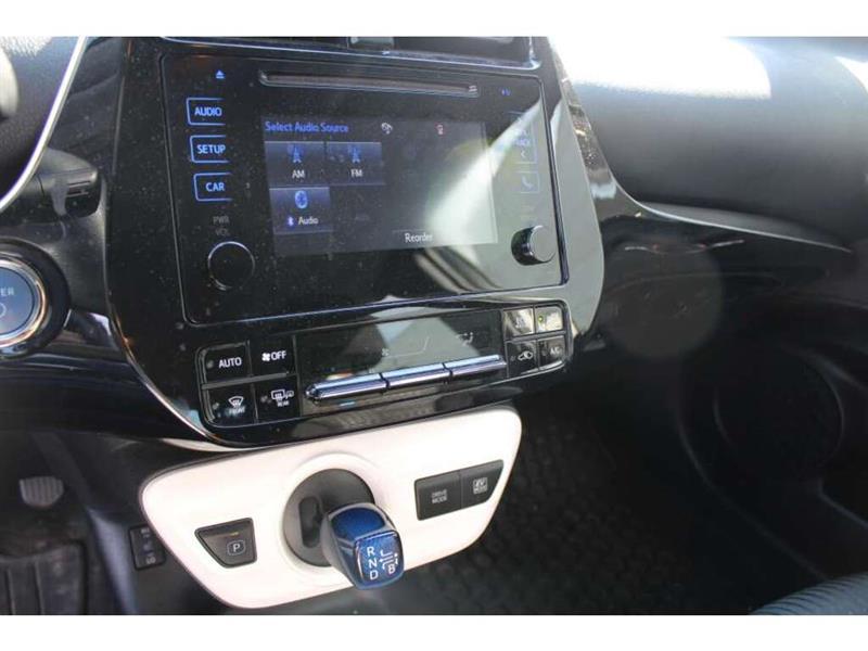 toyota Prius 2017 - 11