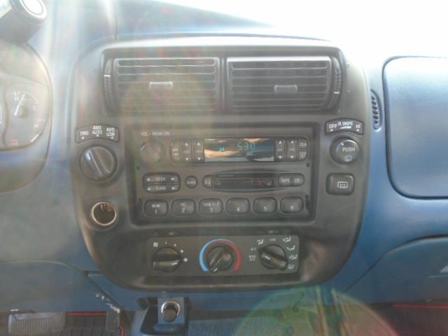 Ford Explorer 15