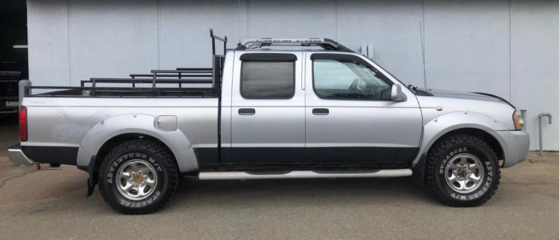 Nissan Frontier 4x4 Double Cab 3