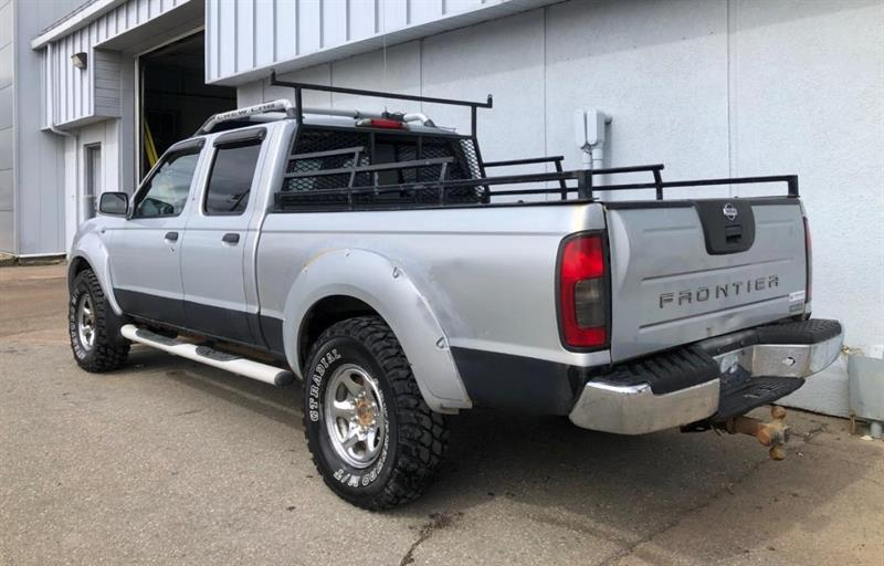 Nissan Frontier 4x4 Double Cab 6