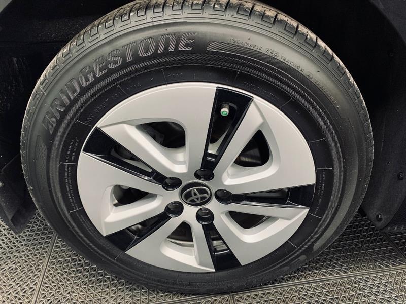 toyota Prius 2017 - 33