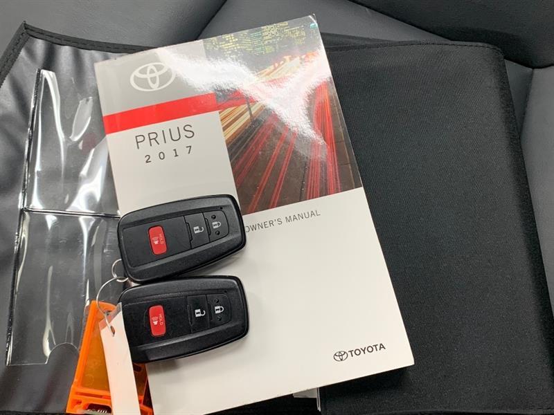 toyota Prius 2017 - 34