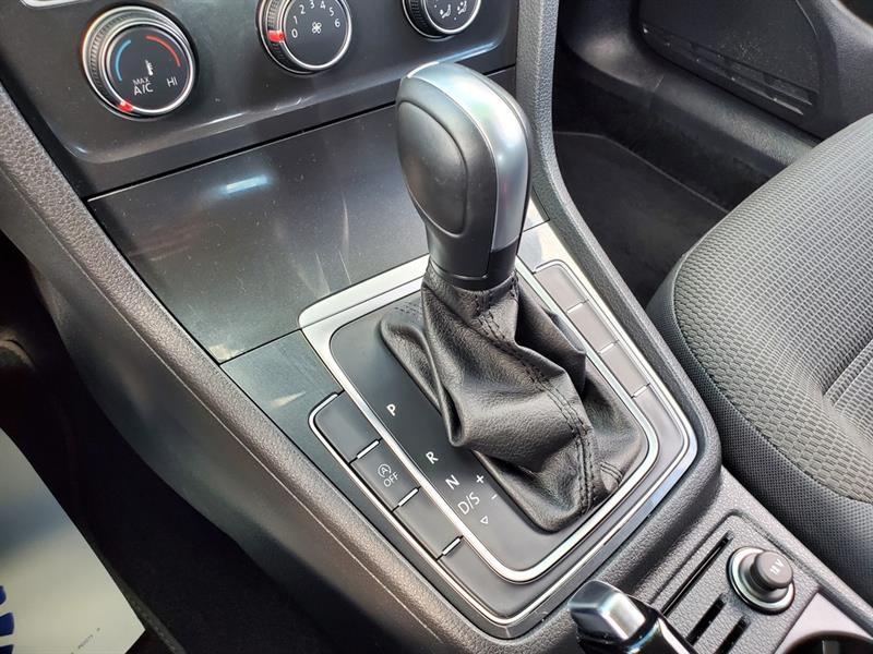 Volkswagen Golf 22
