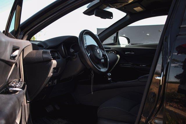 Toyota C-HR 33
