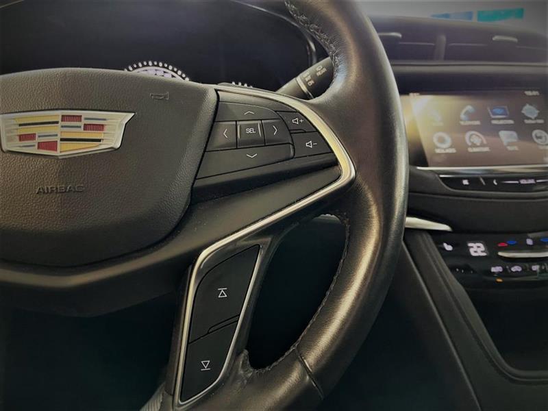 Cadillac XT5 12